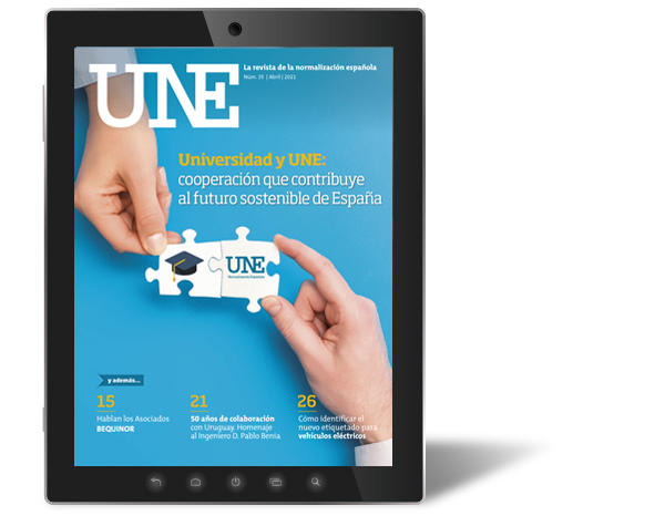 Revista UNE, disponible el último número